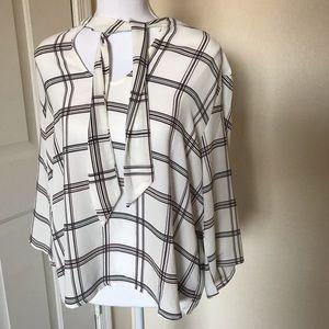 NWOT W5 plaid long sleeved blouse size L